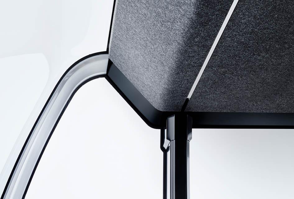 Detail einer Akustik-Decke mit Beleuchtung