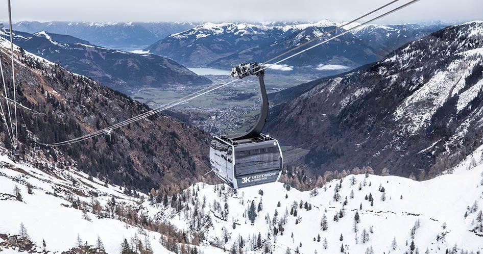 Seilbahn Kabine über Winter-Panorama in Kitzsteinhorn