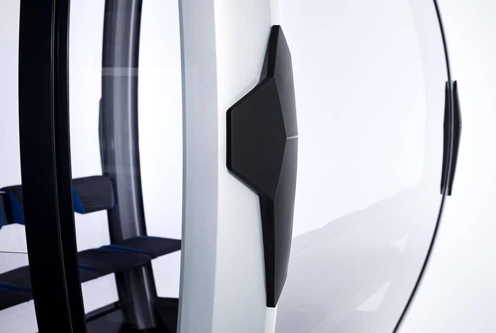 Puffer und Panoramafenster einer Seilbahn von Doppelmayr